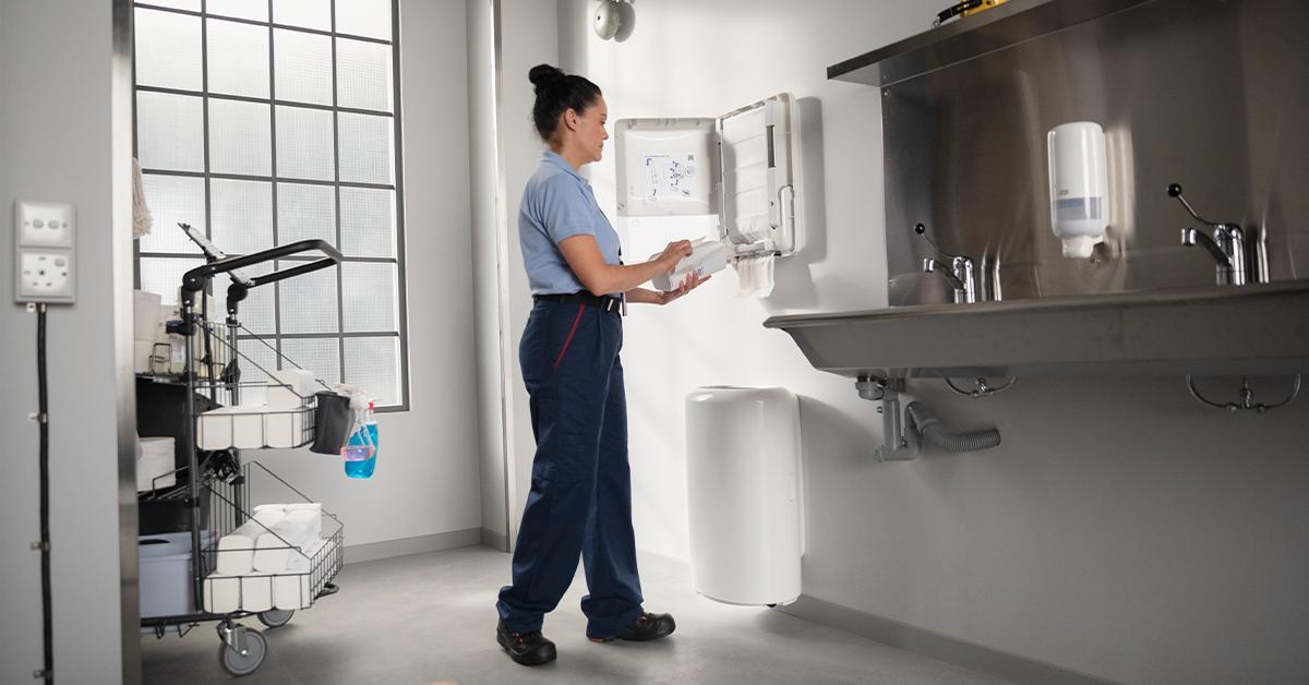 Rozwiązania Tork® pomagają zakładom produkcyjnym zapewnić nowy standard higieny