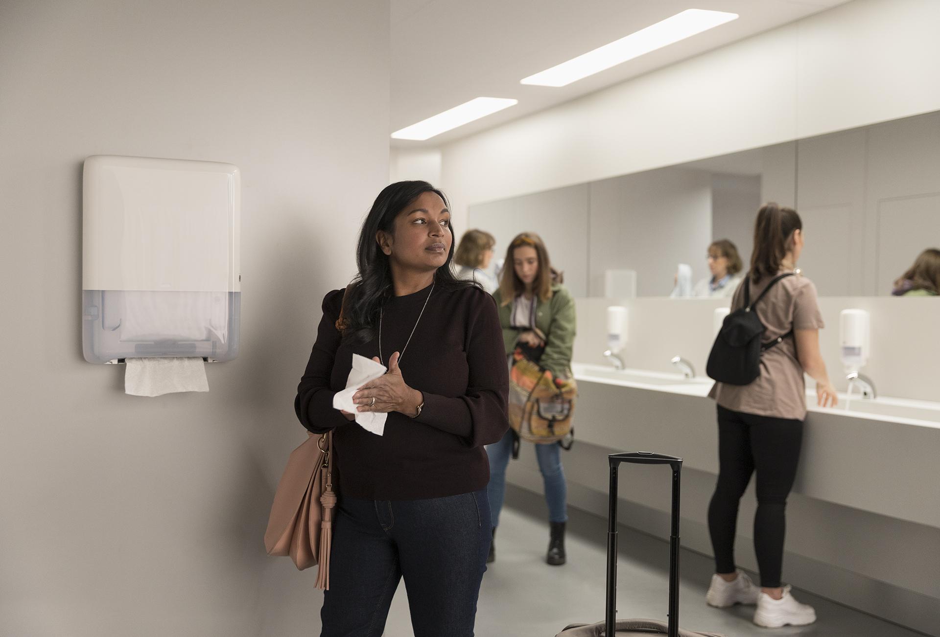 Ludzie nie czują się bezpiecznie korzystając z toalet wyposażonych w suszarki do rąk