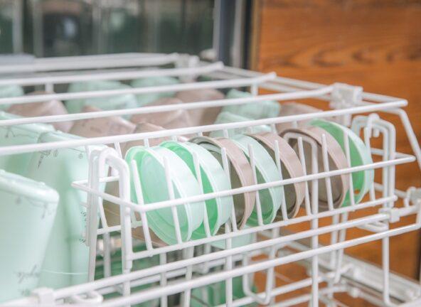 Nowy system zmywania kubków z tworzywa sztucznego