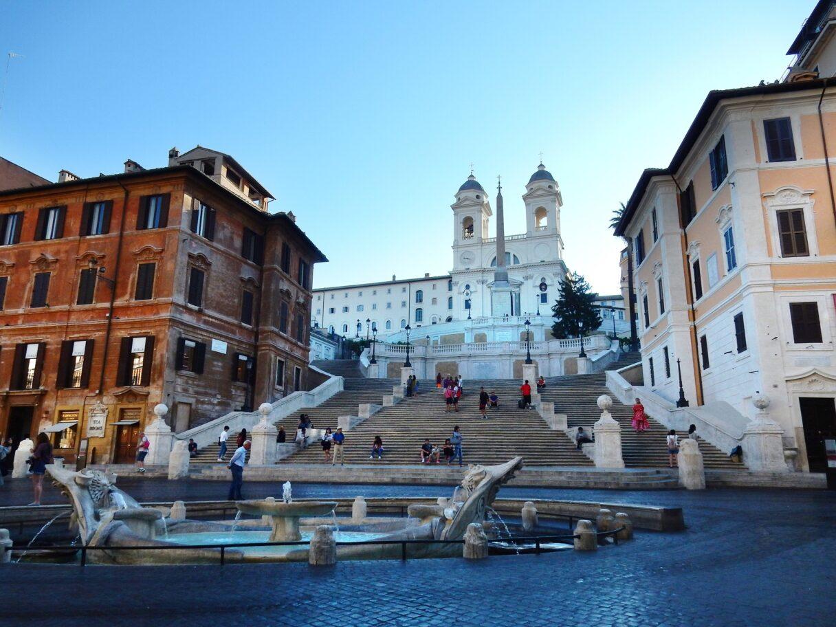 Włochy: Polemika wokół łagodzenia restrykcji w gastronomii