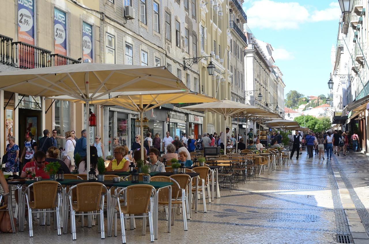 Niemcy: Część landów otwiera restauracje działające na świeżym powietrzu
