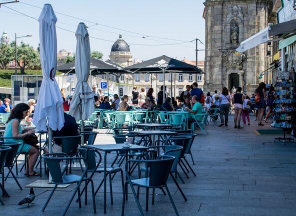 W Portugalii do restauracji tylko z paszportem covidowym